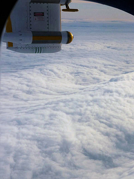Pre-frontal gravity wave observed from the FAAM aircraft