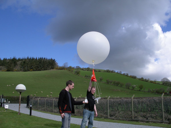 Launching a radiosonde at Aberystwyth during the THAW project in 2009.